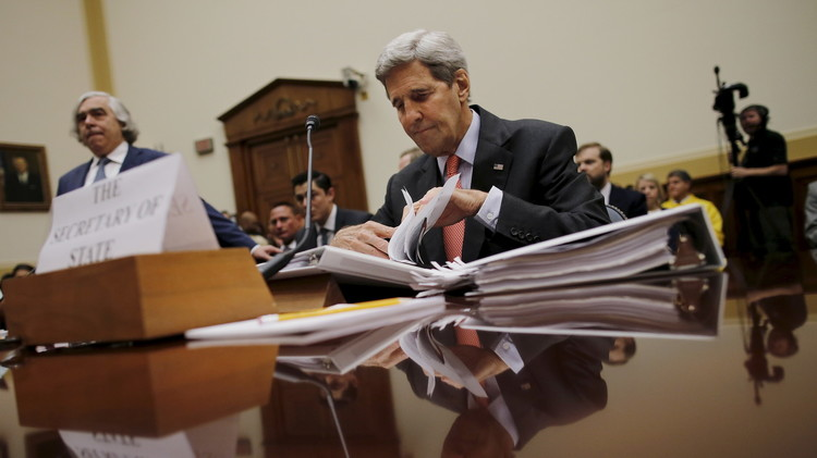 كيري يحذر الكونغرس من مخاطر عدم تصديقه على الصفقة مع إيران