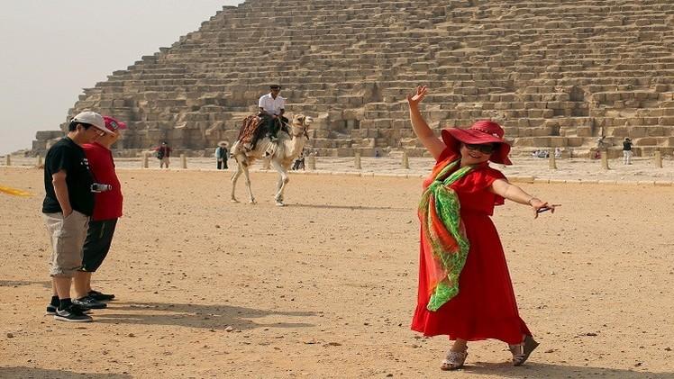 إيرادات مصر السياحية ترتفع 3.1% في النصف الأول من 2015