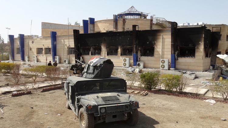 مقتل 12 عنصرا من القوات العراقية بتفجيرين انتحاريين قرب الرمادي