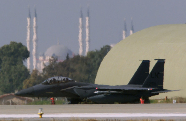تركيا تفتح قواعدها رسميا أمام التحالف الدولي ضد