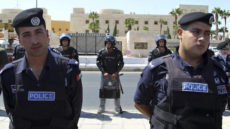 الأردن.. السجن لـ 8 أشخاص بتهم التخطيط لاستهداف أمريكيين والسفارة الإسرائيلية