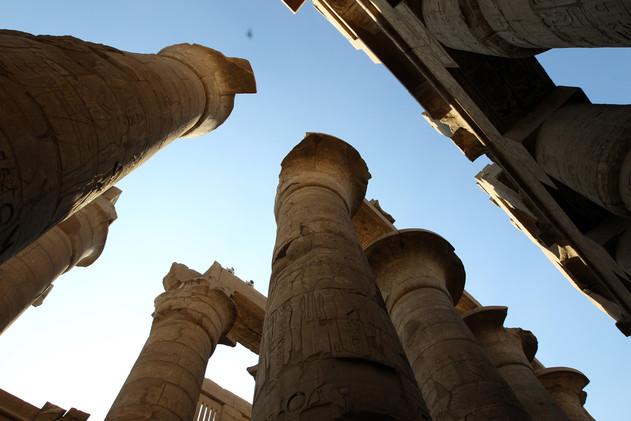 معابد الكرنك شرق الأقصر في الجنوب المصري