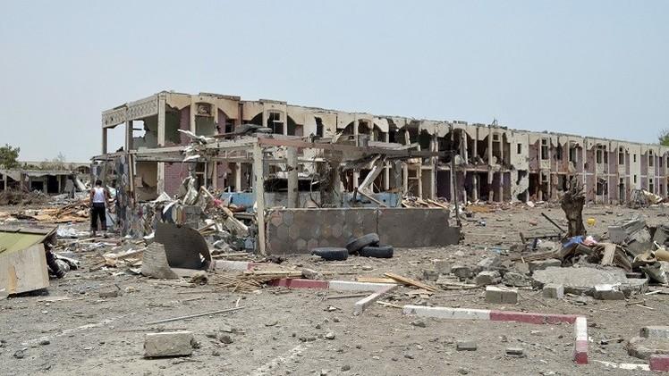 اليمن.. قتلى وجرحى باشتباكات عنيفة في محافظتي أبين وتعز