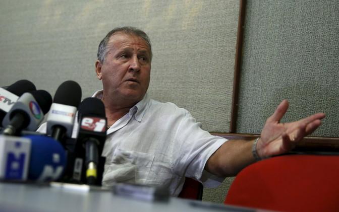 تأييد خجول من الاتحاد البرازيلي لترشح زيكو لرئاسة الفيفا
