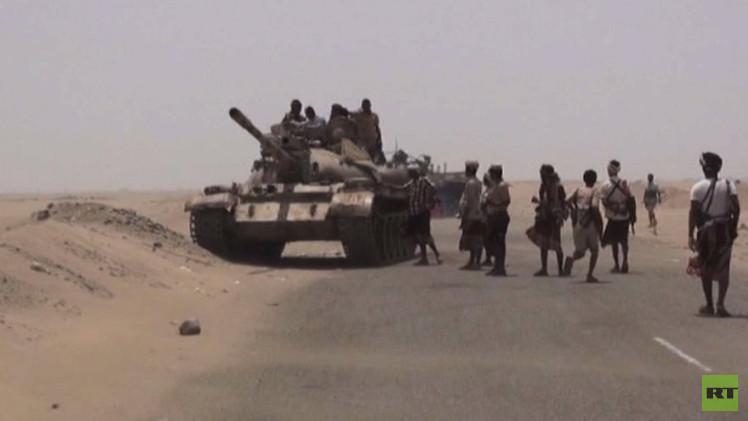 مقتل 4 جنود سعوديين عند الحدود مع اليمن واحتدام المعارك في تعز ومأرب ولحج