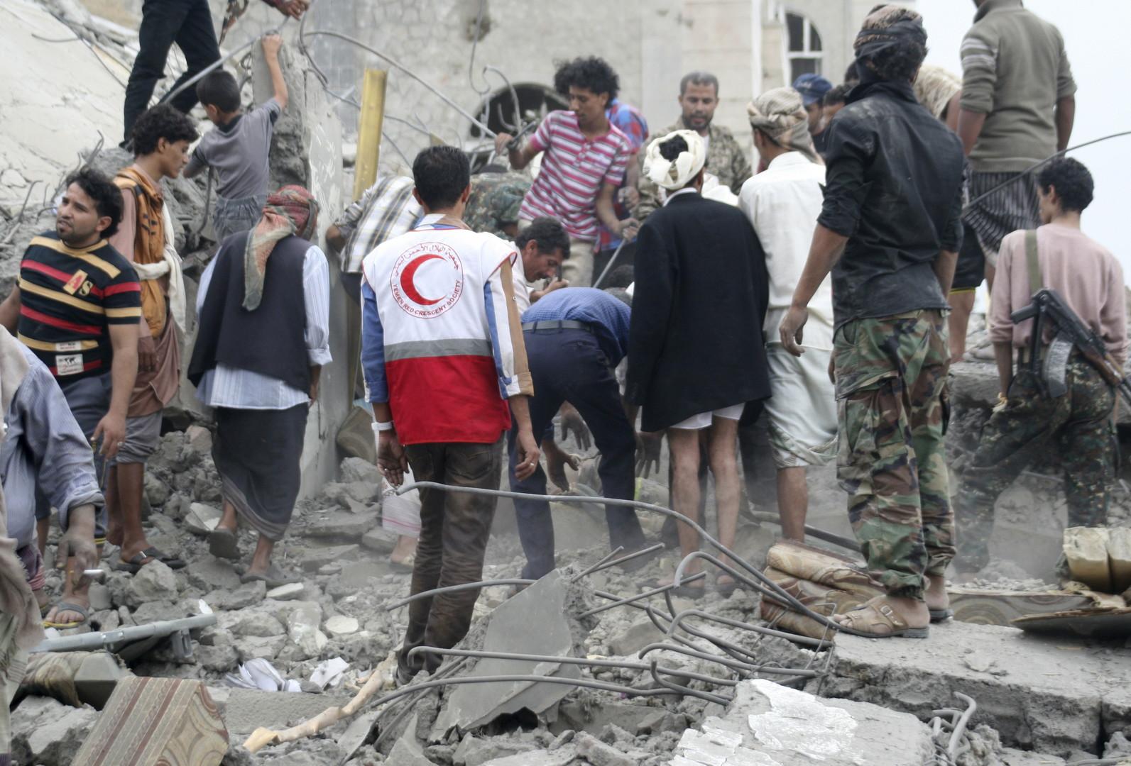 اليمن..تجدد غارات التحالف والحوثيون يتحدثون عن هدنة
