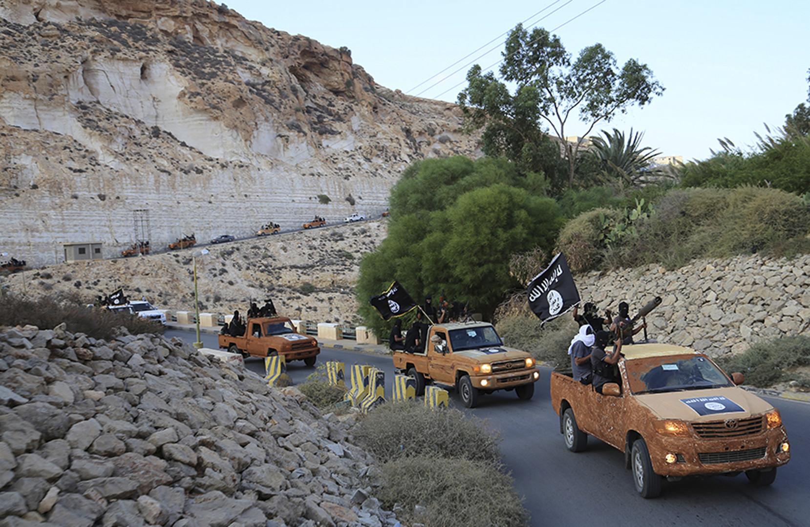 ليبيا.. تواصل القتال في بنغازي واشتباكات في مدن أخرى