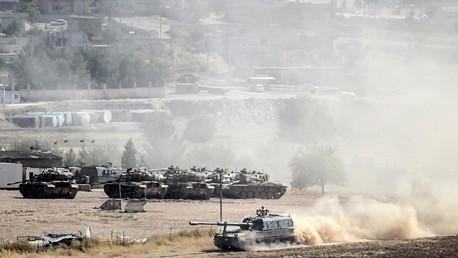 دبابات للجيش التركي على الحدود مع سوريا