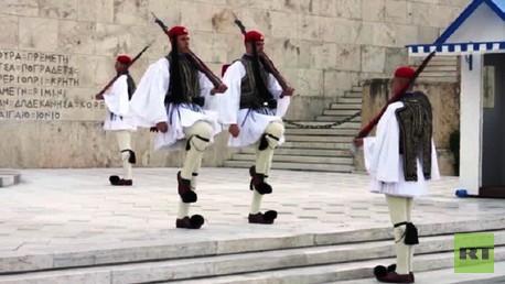 أجواء من التوتر والقلق تخيم على الشارع اليوناني
