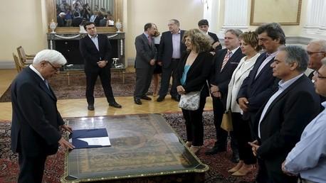 أعضاء الحكومة الجدد يؤدون اليمين الدستورية أمام الرئيس اليوناني بحضور رئيس الوزراء السبت 18 يوليو