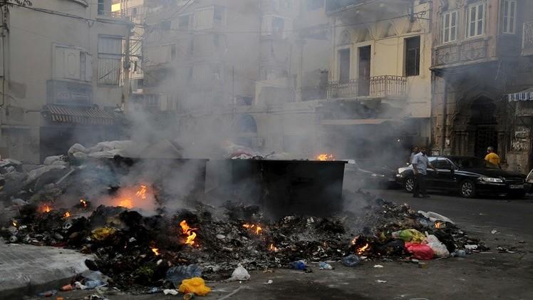 وزير لبناني: أزمة النفايات جزء من المأزق السياسي