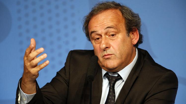 الباراغواي تلحق بإيطاليا وتدعم بلاتيني لرئاسة الفيفا
