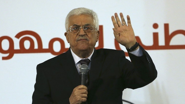 عباس ينتقد موقف الإدارة الأمريكية من جريمة حرق الرضيع الفلسطيني ويهدد بـ