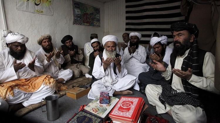 جلال الدين حقاني يبايع أمير حركة طالبان الجديد