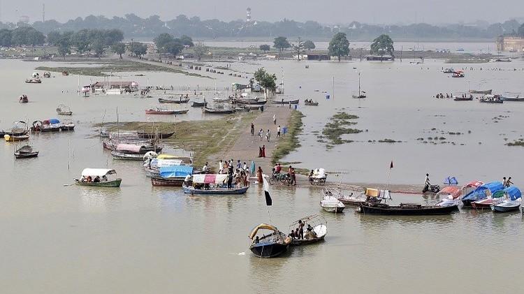 الهند.. مقتل أكثر من 90 شخصا وتشريد الآلاف جراء الفيضانات