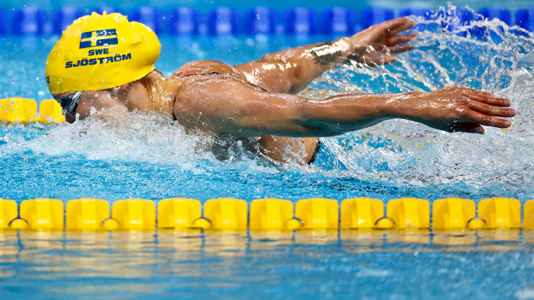 رقم قياسي عالمي جديد للسباحة السويدية شيستريم في منافسات الفراشة