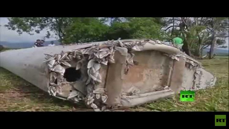 اجتماع في باريس لفحص قطعة حطام يعتقد أنها للطائرة الماليزية المفقودة