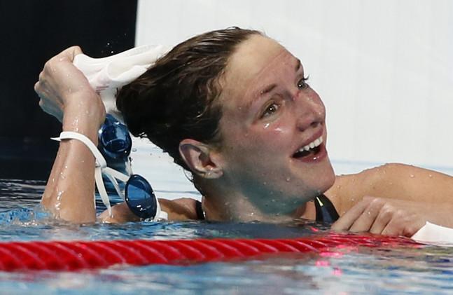 المجرية كاتينكا هوسو تحقق رقما قياسيا عالميا في السباحة المتنوعة في بطولة العالم