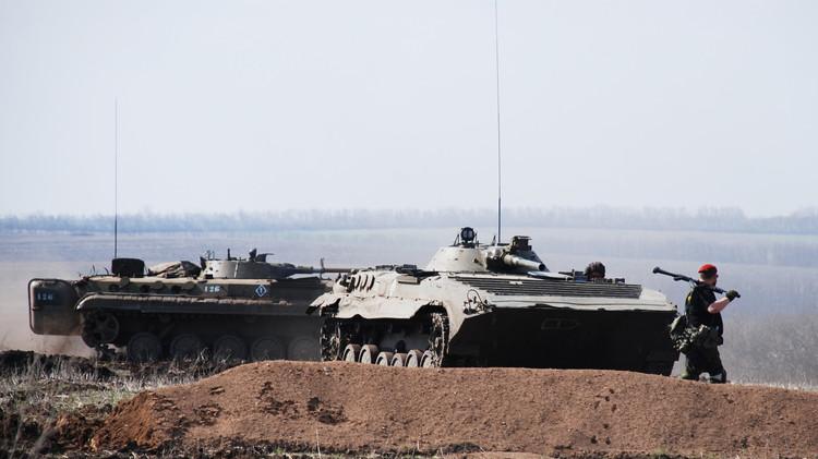 طرفا النزاع الأوكراني يواصلان المفاوضات في مينسك للاتفاق على سحب الأسلحة