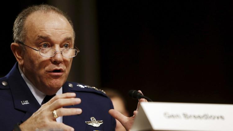 قائد قوات الناتو في أوروبا يدعو إلى استئناف الاتصالات المنتظمة بين الحلف وروسيا