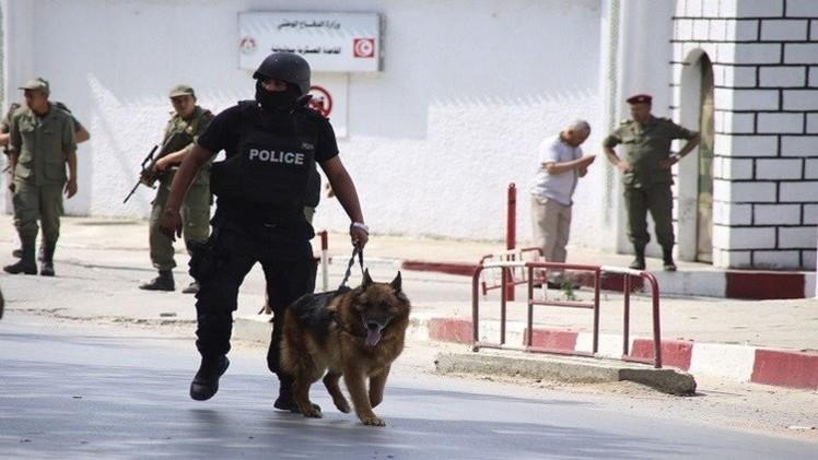 الداخلية التونسية: القبض على 22 عنصرا يشتبه في انضمامهم لتنظيمات إرهابية