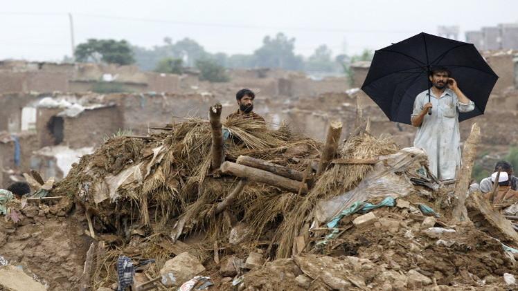 ارتفاع قتلى الفيضانات في باكستان إلى أكثر من 150 شخصا