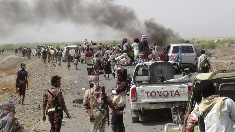 التحالف يقصف تعز واللجان تستعيد لحج وحرب اليمن تقتل 2000 مدني