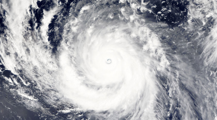 أقوى أعاصير عام 2015 يضرب اليابان وتايوان هذا الأسبوع (فيديو)