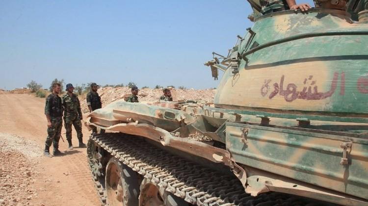 فصائل مسلحة تعلن تقدمها في حماه والجيش يقضي على مسلحين في ريف اللاذقية