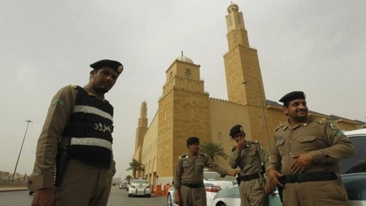 ارتفاع حصيلة ضحايا التفجير الإرهابي بمسجد قوات الطوارئ في عسير إلى 15 قتيلا (فيديو)