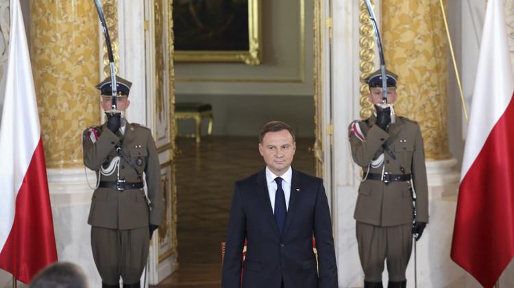 الرئيس البولندي الجديد يدعو لزيادة وجود حلف الناتو في بلاده