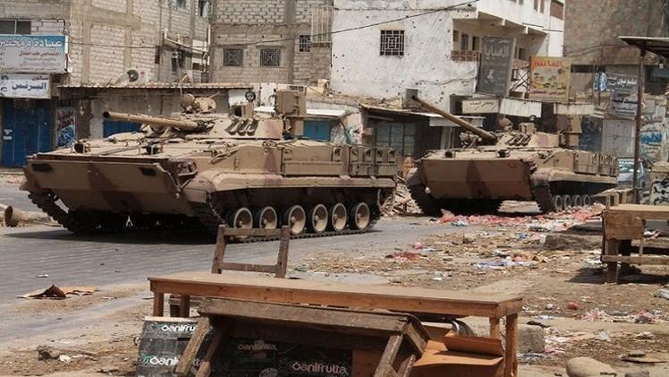 تعزيزات برية سعودية إلى اليمن واللجان الشعبية تواصل تقدمها في الجنوب