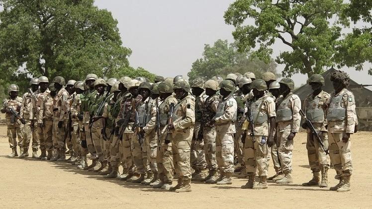 نيجيريا.. مقتل 4 جنود وشرطي في هجوم قراصنة على قاعدة للجيش