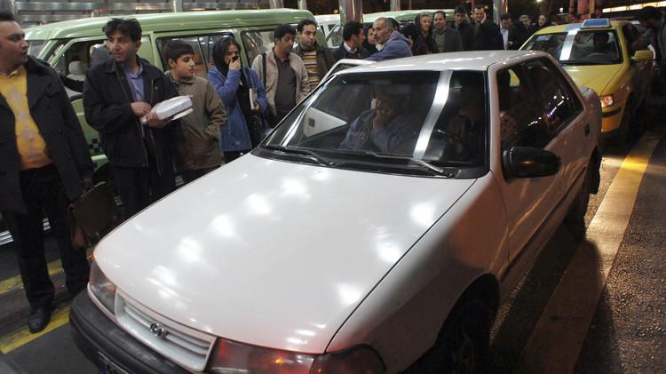 السلطات الإيرانية تنصح مواطنيها بعدم السفر إلى تركيا برا