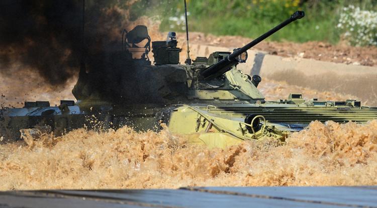 منافسات شاقة خلال دورة الألعاب العسكرية على الأراضي الروسية (فيديو)