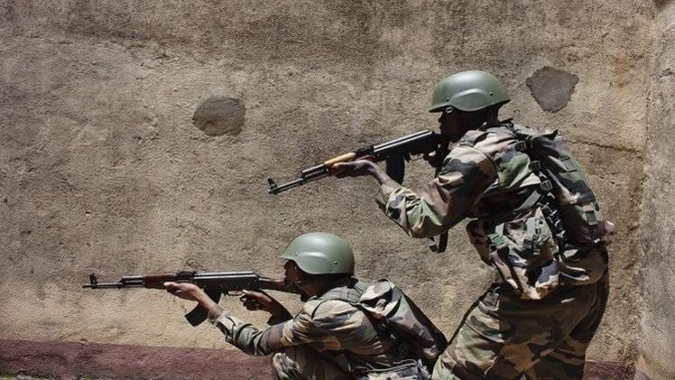 مقتل 10 مدنيين على يد مسلحين في مالي وارتفاع عدد ضحايا احتجاز الرهائن إلى 13