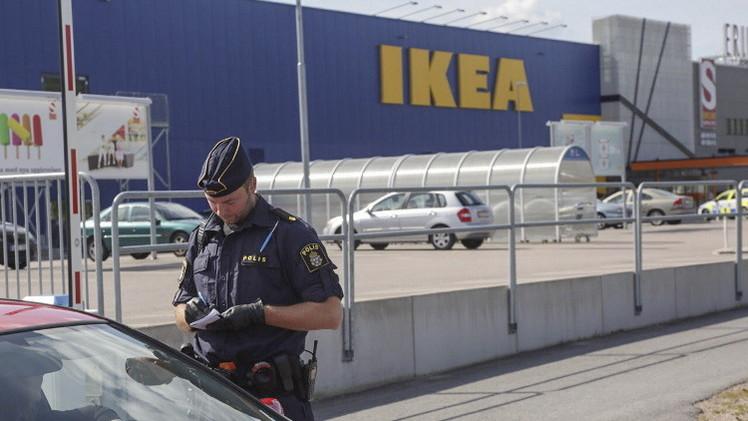 مقتل شخصين بهجوم في أحد المتاجر في السويد