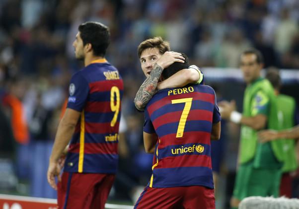 بيدرو غاضب من شائعة تقول إنه يرغب بالرحيل عن برشلونة