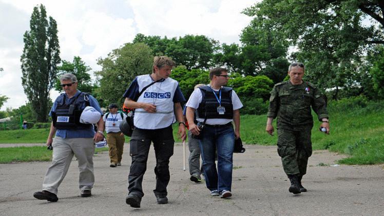 بعثة المراقبة الدولية ترصد استخدام أسلحة ثقيلة من قبل جانبي النزاع شرق أوكرانيا