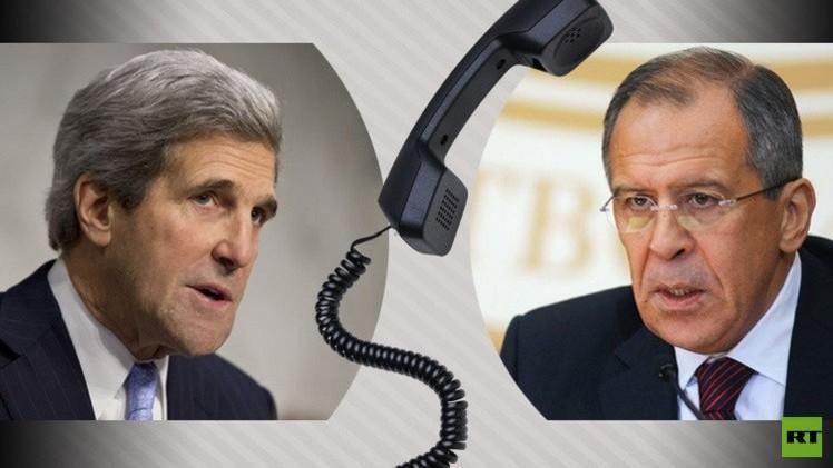 لافروف يؤكد لكيري ضرورة تنفيذ كييف فعليا اتفاقات مينسك وتوقف استفزازاتها المسلحة
