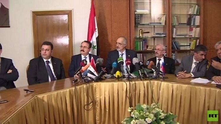 لافروف وكيري يبحثان إمكانية إجراء حوار بين دمشق والمعارضة تحت رعاية أممية