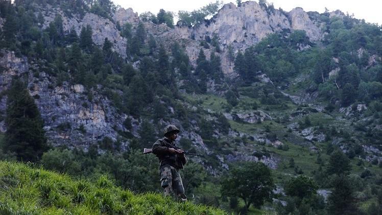 4 قتلى و23 جريحا في تبادل لإطلاق النار بين القوات الهندية والباكستانية في كشمير