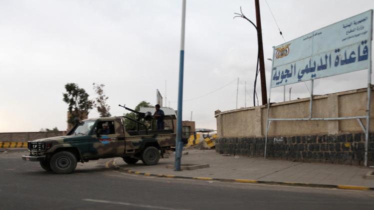 التحالف يكثف غاراته على مواقع الحوثيين في إب وصنعاء