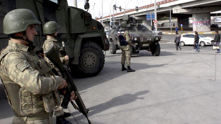 مقتل جندي تركي و3 مسلحين أكراد شرق البلاد