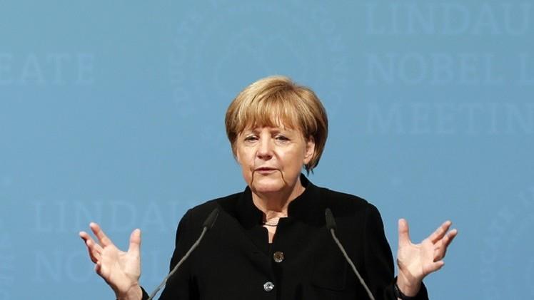 برلين لا تستبعد تخفيف أعباء ديون اليونان