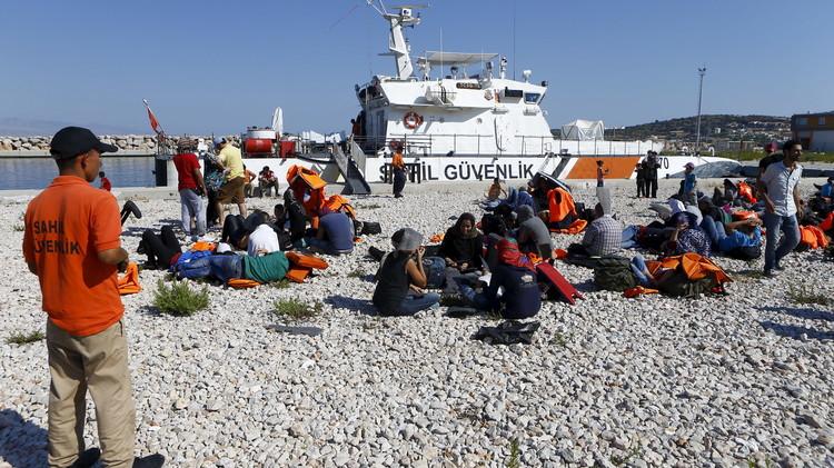 تركيا: إنقاذ 18 ألف مهاجر في البحر خلال شهر