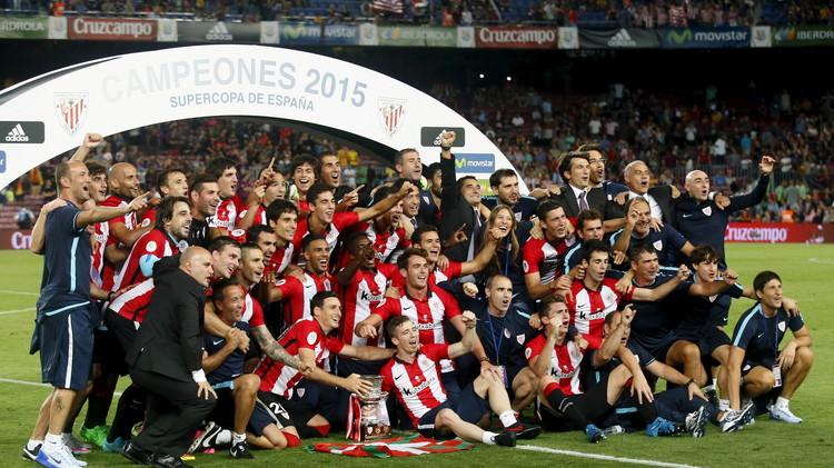 بيلباو يعانق كأس السوبر الإسباني بعد 31 عاما في معقل برشلونة (صور)
