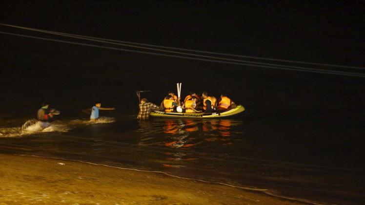 مصرع 5 سوريين خلال غرق مركب مهاجرين بين تركيا واليونان
