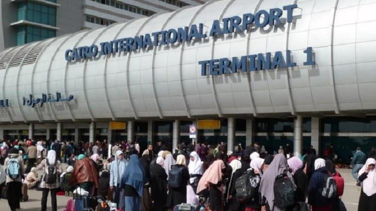 احتجاز وكيل وزارة بحكومة حماس في مطار القاهرة