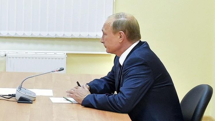 بوتين: قوى خارجية تدرب مخربين لزعزعة الوضع في القرم